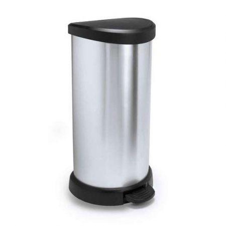 Hengeres kialakítású pedálos szemeteskuka fémes hatású felülettel